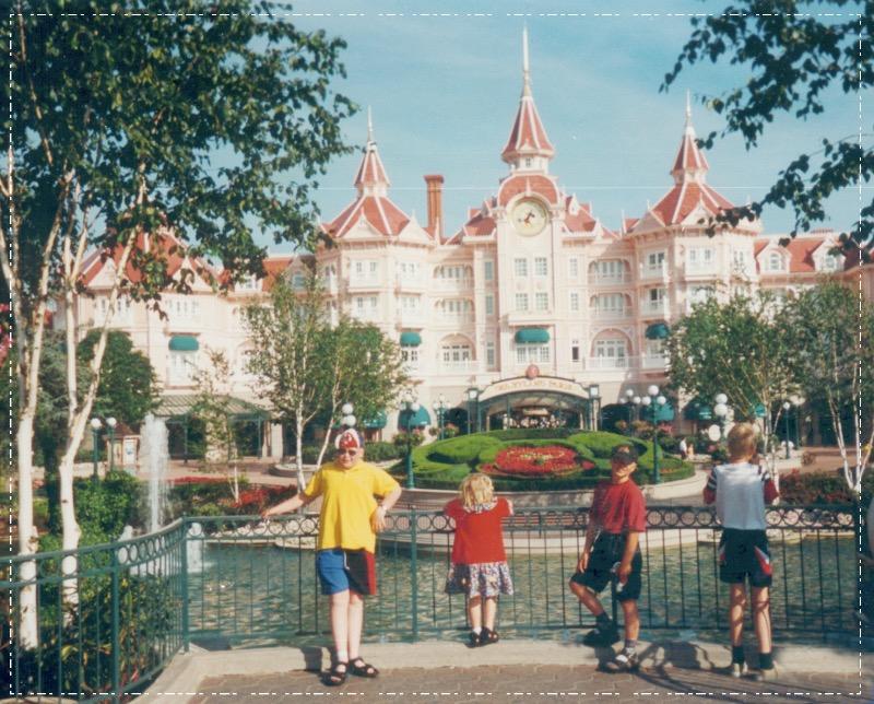 24/6  Disneyland Paris