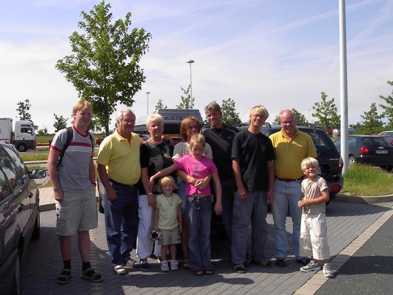 8/7  Vi delar oss för olika äventyr, Hannover el Berlin.