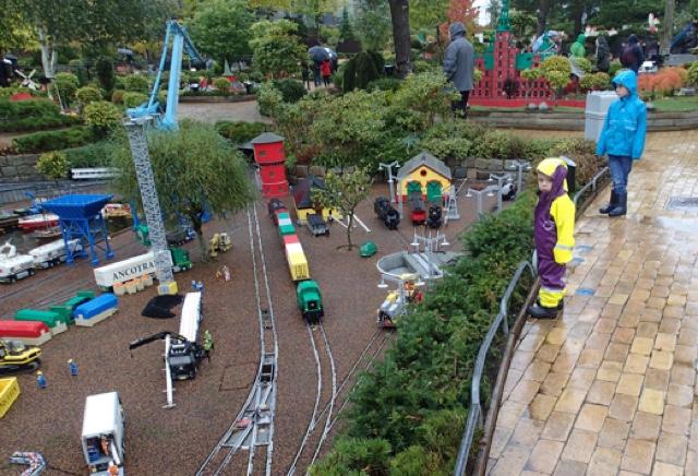 7/10  Legoland