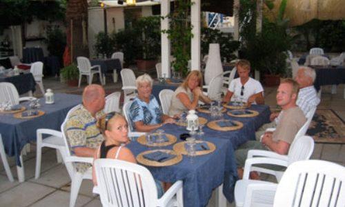 6/7  Både strand- och restaurangbesök