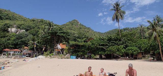 31/7  Solen skiner på våran strand, och även i Mae Haad